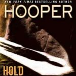 Kay Hooper Hold Back the Dark
